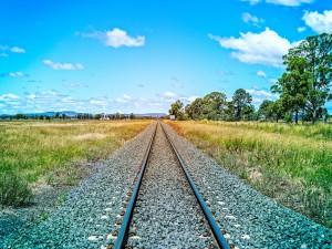 train-tracks-1226546_1280